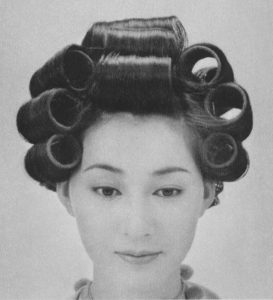サザエさん 髪型作り方 カーラー